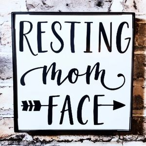 Accents - Resting Mom Face Frame